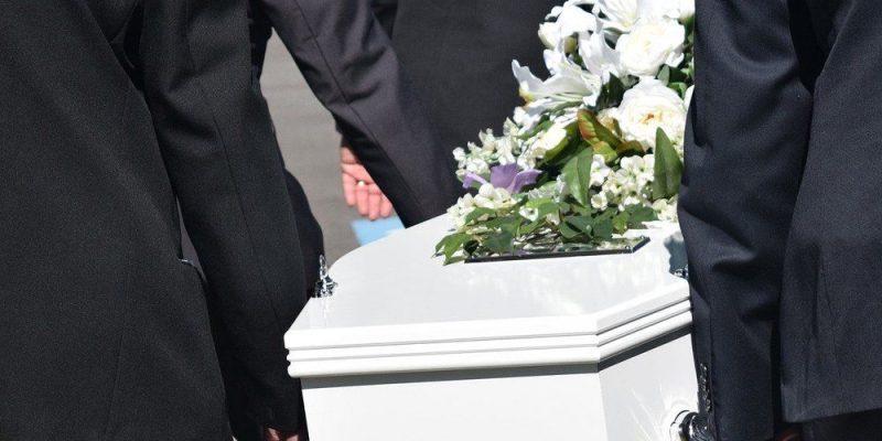 Service ved dødsfald – begravelse og rydning af dødsbo